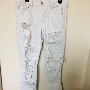 American Eagle White Distressed Denim Jeans